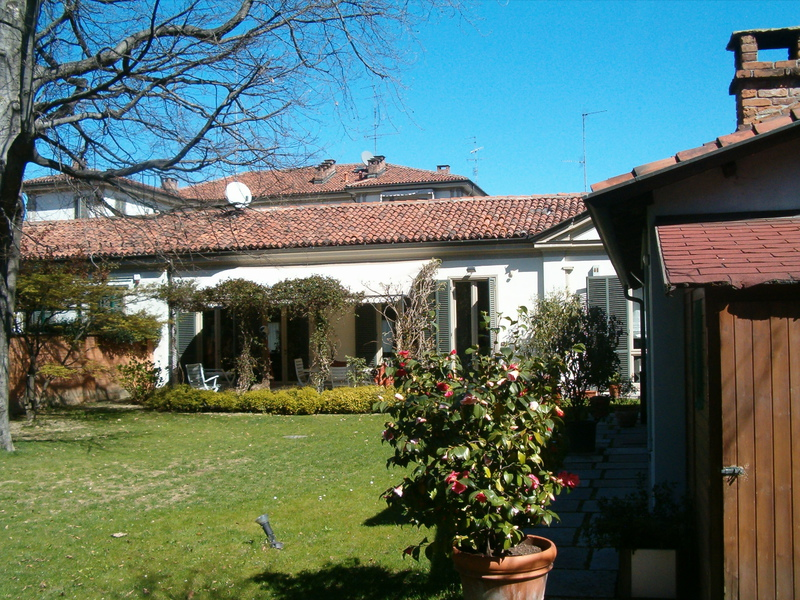 2 Villa privata - Moncalvo arredo verde giardini Grua